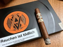 AVO Limited Editions Classic Covers 2015 Improvisation Toro Cigar
